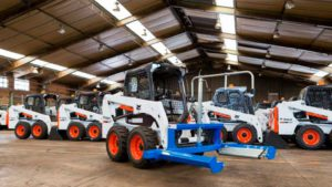 , Tyre-handling is safe and easy with the latest Bobcat attachment