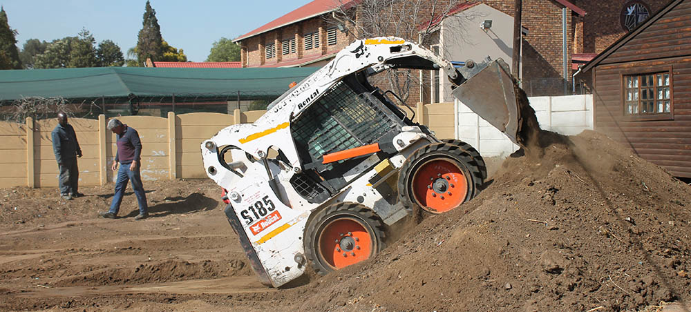Bobcat Skidsteer Helps Stepping Stone Project | Bobcat SA