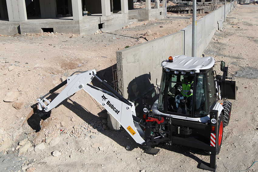 , Bobcat digs in with major savings on B730 TLB servicing and parts