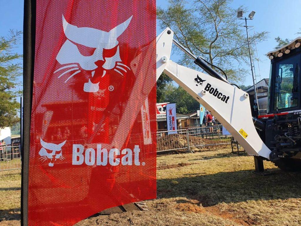 , Powasol ExtremeX at Royal Show a roaring success thanks to Bobcat B730 TLB