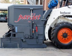 , Bobcat skidsteer attachments ideal for materials-handling applications